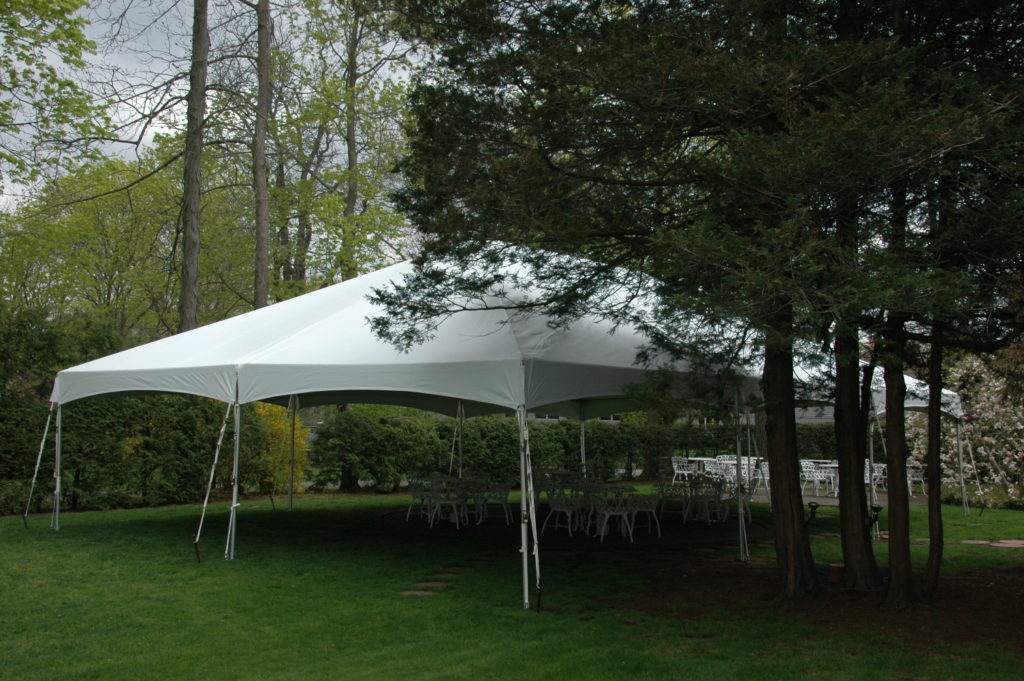 frame_tent_outside_view_30_x_45